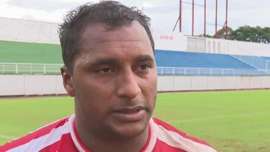 Herói na vitória sobre o Náuas, Doka Madureira festeja reestreia com gol pelo Estrelão