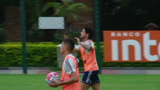 Alexandre Pato marca, mas São Paulo perde de virada para o São Caetano em jogo-treino no CT