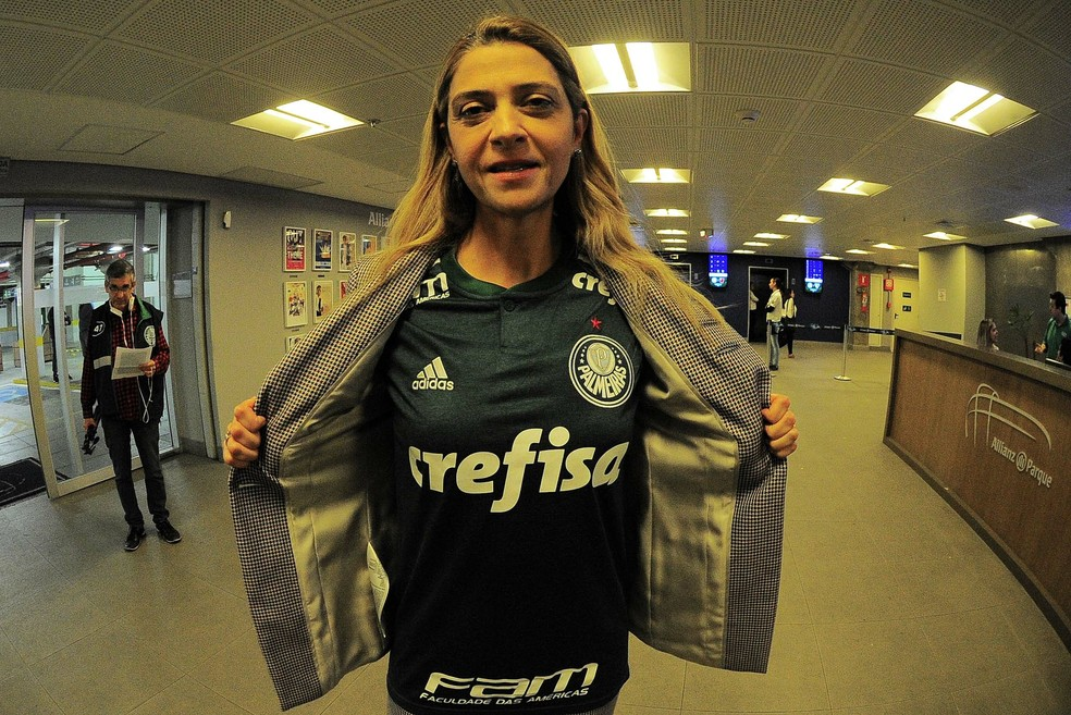 Leila Pereira, patrocinadora do Palmeiras, na arena — Foto: Marcos Ribolli