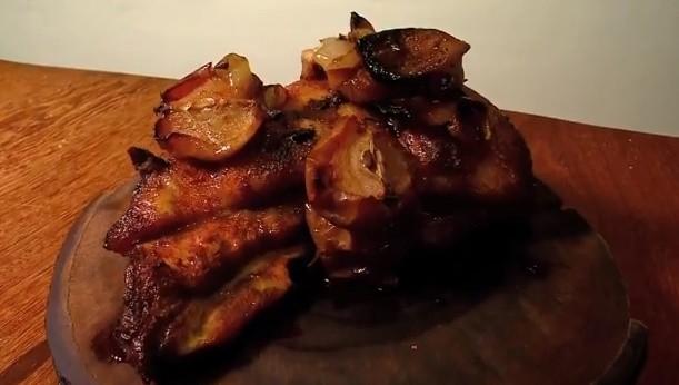 Aprenda a preparar uma costelinha de porco especial para o dia das mães