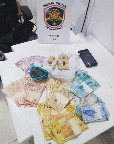 Drogas e dinheiro escondidos em compartimento falso de carro são apreendidos em Petrolina, PE - Notícias - Plantão Diário