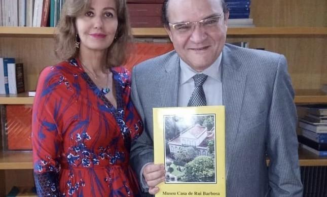 Letícia Dornelles e o bispo Abner Ferreira na Casa de Rui Barbosa