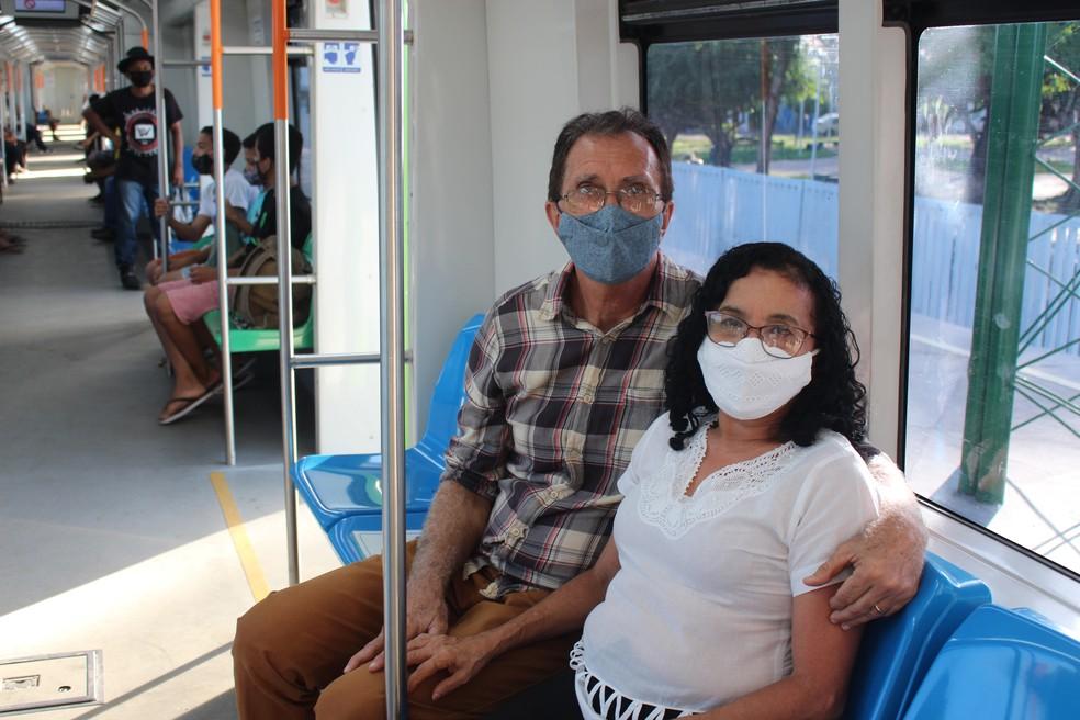 George e Teresa se conheceu em um vagão do metrô em 2017 — Foto: Lívia Ferreira /G1
