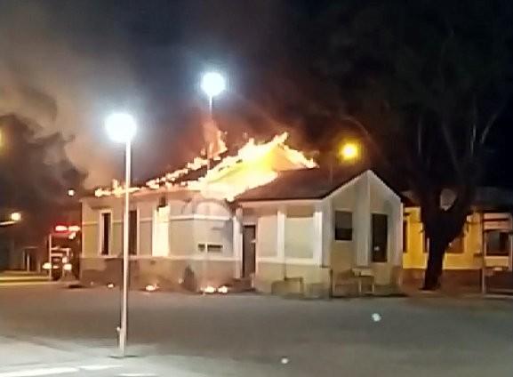 Incêndio em Leme atinge antiga estação ferroviária