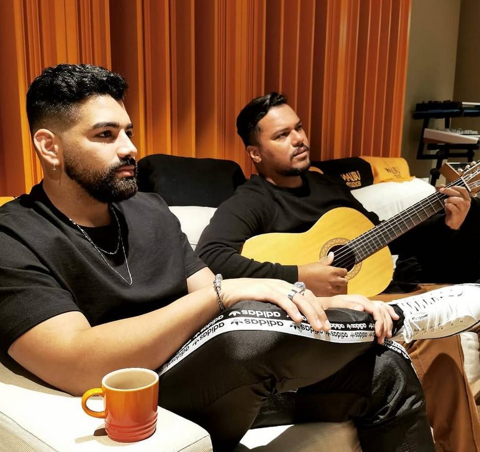 Dilsinho e Bruno Cardoso cantarão juntos em uma live nas redes sociais — Foto: Reprodução da internet
