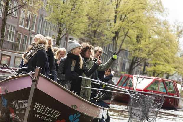 Empresa holandesa lança móveis de design feitos com garrafa PET (Foto: Divulgação)