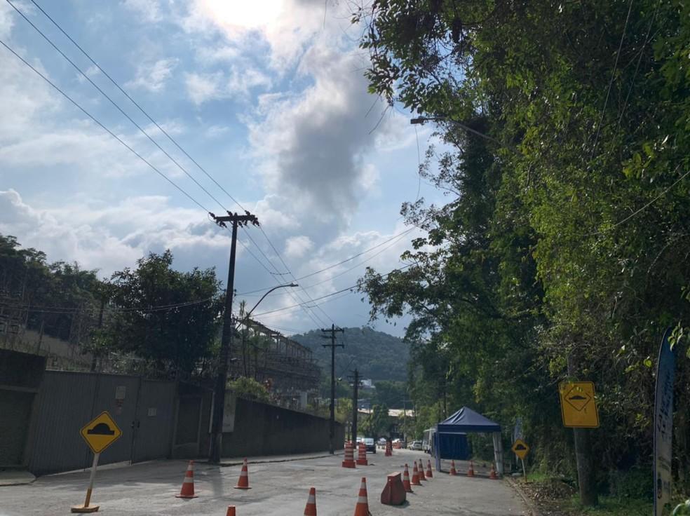 Local onde funcionava a barreira sanitária no Bingen, em Petrópolis — Foto: Lucas Machado/G1
