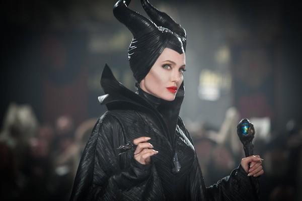 A atriz Angelina Jolie em cena de Malévola (2014) (Foto: Reprodução)
