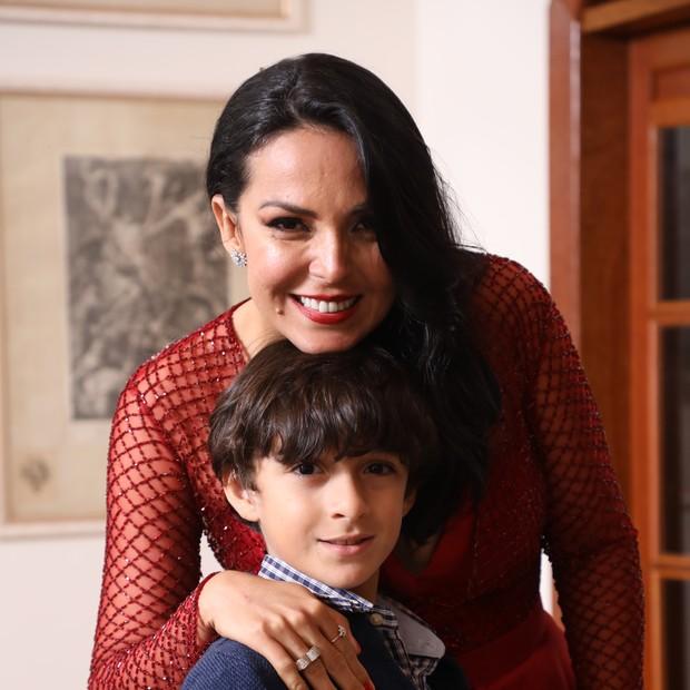 Gardênia e o filho Miguel  (Foto: Lucio Cesar Pereira)