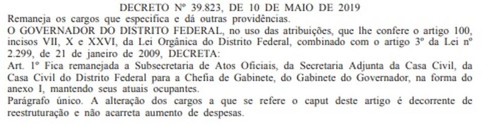 Decreto, assinado pelo governador, que tira da Casa Civil a responsabilidade pela publicação do Diário Oficial do GDF — Foto: DODF/Reprodução