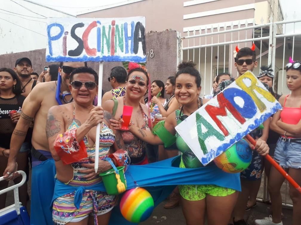 """Música """"Piscininha Amor"""" inspira fantasia de grupo que curte BQVV em Porto Velho.  — Foto: Ana Kézia Gomes/G1"""