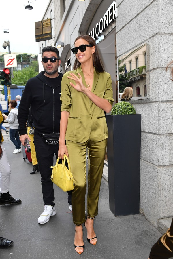 MILAN, ITALY - SEPTEMBER 20: Irina Shayk is seen leaving Falconeri store during the Milan Fashion Week Spring/Summer 2020 on September 20, 2019 in Milan, Italy. (Photo by Jacopo Raule/GC Images) (Foto: GC Images)