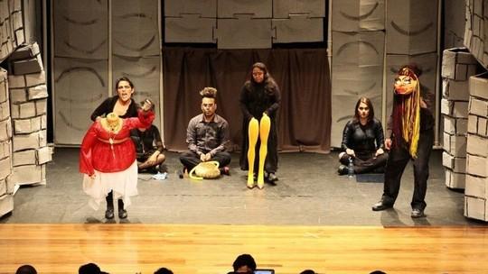 Madeira festival de teatro RO: G1 entrevista 'Inimigos do Povo'
