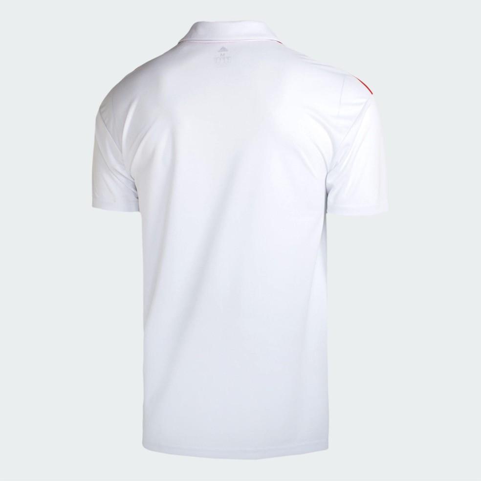 Imagem de como seria as costas do uniforme 1 (Foto: Reprodução)