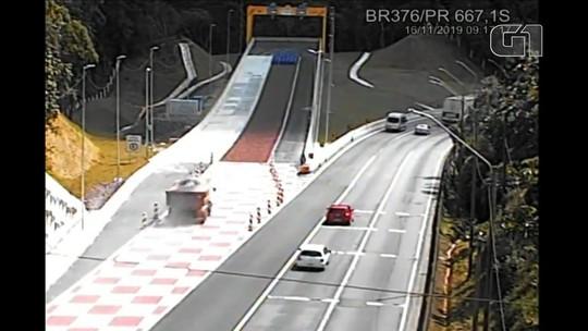 VÍDEO: Motorista de caminhão usa área de escape para evitar acidente