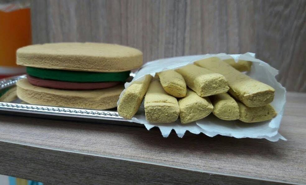 Combo de hambúrguer com batata-frita está entre as opções humanizadas — Foto: Divulgação