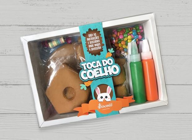 """Toca do Coelho I Kit com biscoitos, glacê e confeitos para montar e decorar uma """"casinha de coelho"""" I Da Biscoitê, R$59,90 (Foto: Divulgação)"""