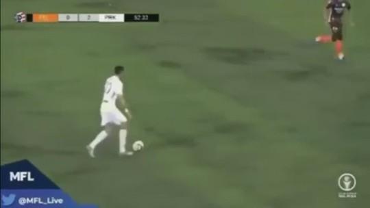 Careca festeja gol em vitória do Perak na Super Liga da Malásia e revela que vai ser pai