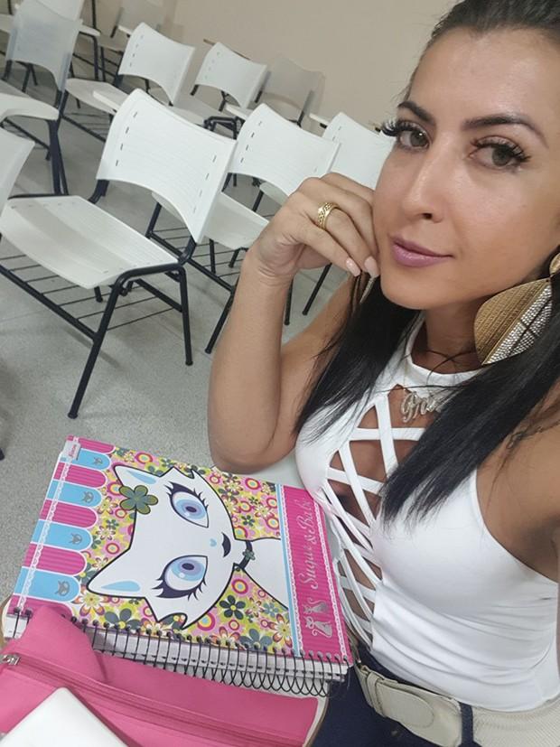 Priscila Pires na faculdade de nutrição (Foto: Divulgação)