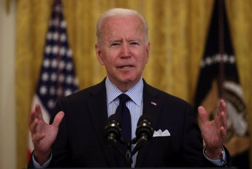 A decisão da Suprema Corte deverá ser anunciada às vésperas das eleições de meio mandato do ano que vem e poderá ter impacto na disputa pelo controle da Câmara e do Senado, onde o Partido Democrata, do presidente Joe Biden, tem maioria apertada — Foto: Reuters/Via BBC