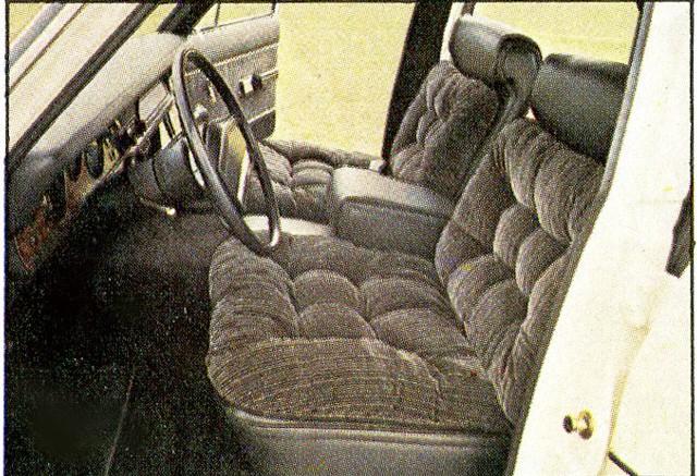 Assento dianteiro era largo, como os demais da categoria (Foto: Autoesporte)