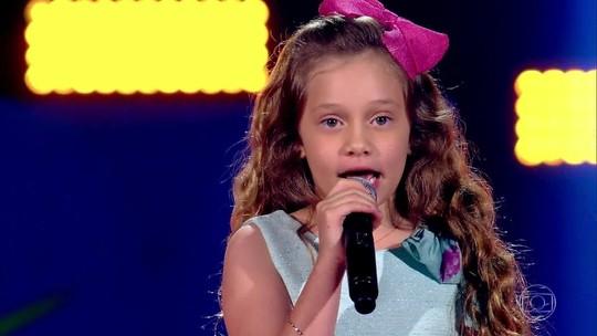 Sofia Cruz canta 'Tutti Frutti' e segue na competição do The Voice Kids