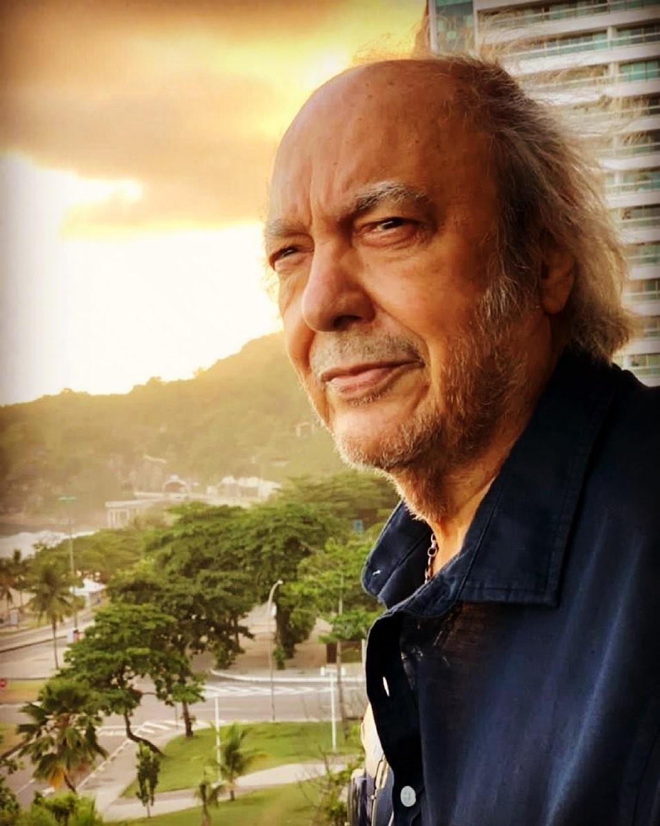 Aos 80 anos, Erasmo Carlos 'insiste na juventude' e grava disco no Rio com produção musical de Pupillo