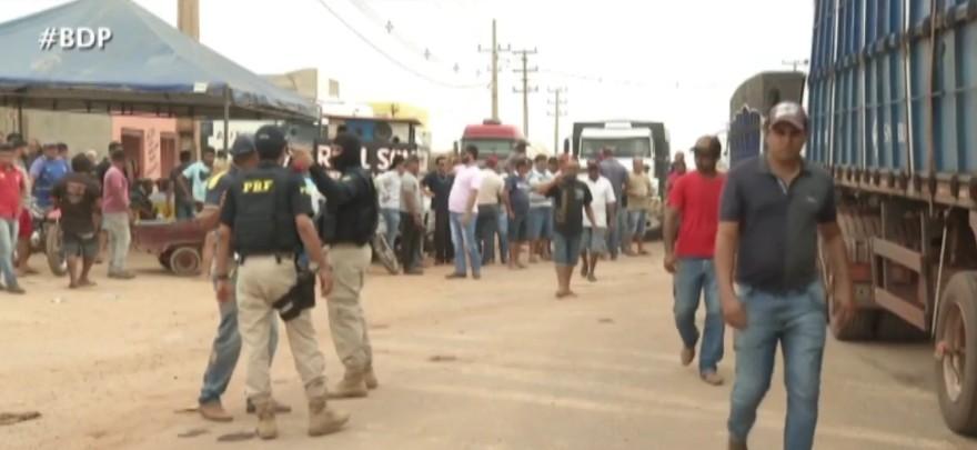 BR-155, em Eldorado dos Carajás continua bloqueada por manifestantes
