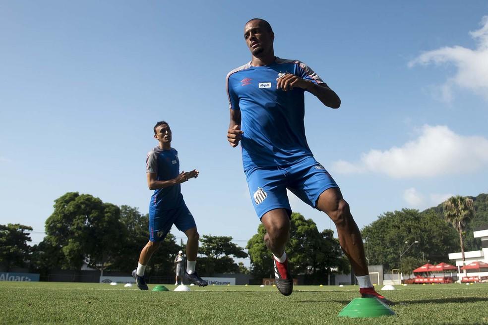 Luiz Felipe se recuperou de lesão e pode ganhar chance no Santos contra o Novorizontino — Foto: Ivan Storti/Santos FC