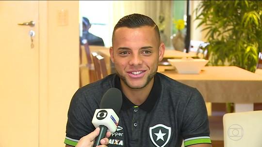 """""""Foi o jogo da minha carreira"""", afirma Guilherme sobre jogo do Botafogo contra o Sport"""