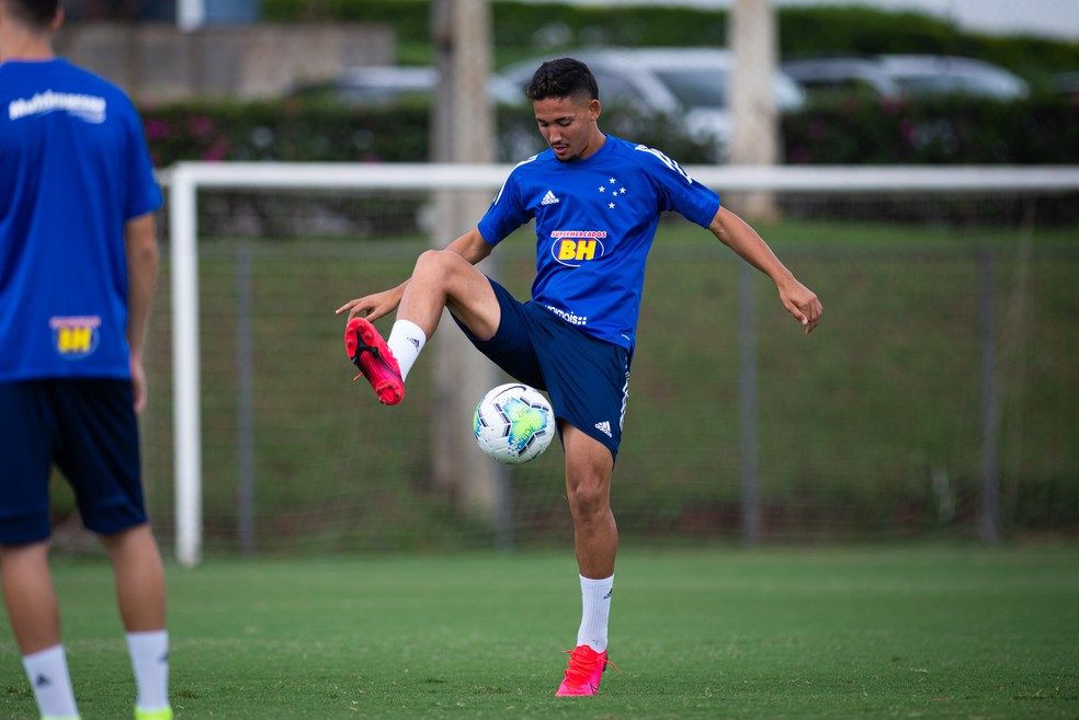Jhonata Robert está emprestado ao Cruzeiro — Foto: Bruno Haddad/Cruzeiro