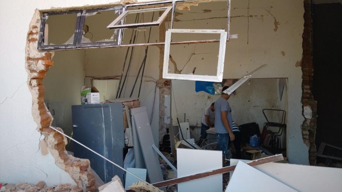 Explosão em agência bancária danifica prédio da Prefeitura de Condado, PB