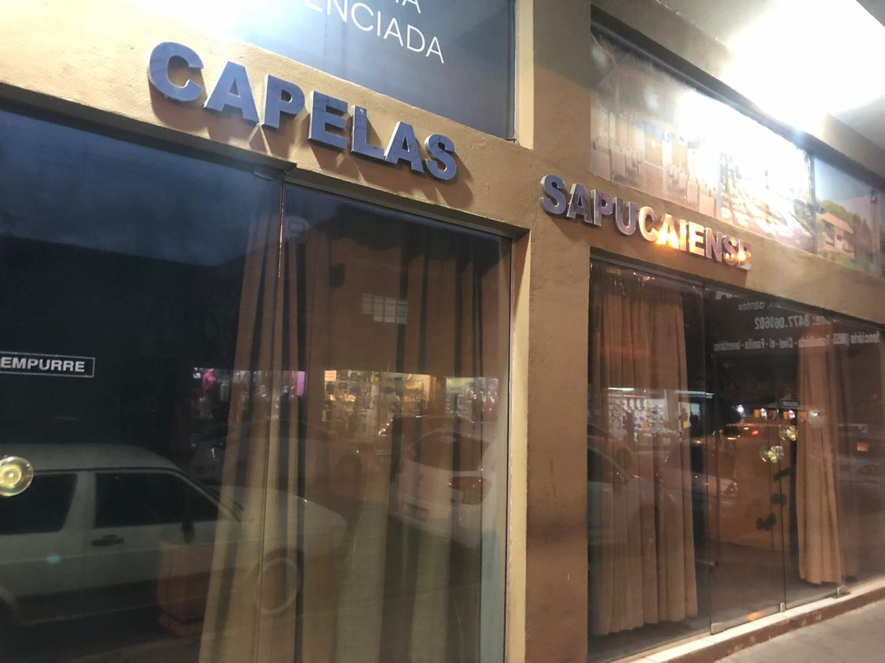 Morto por Covid-19 é velado com caixão aberto em Sapucaia do Sul; família diz não ter sido informada