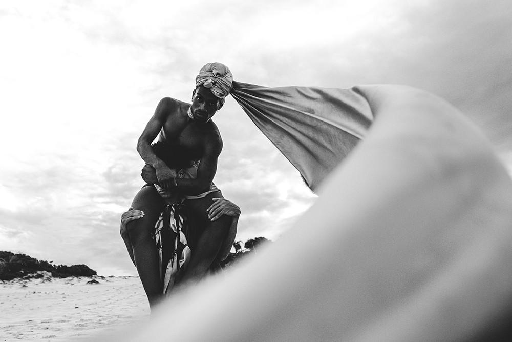 """""""Foi sobrevivendo à perversa conjuntura escravocrata que esses povos se encontraram e construíram entre si laços, experiências compartilhadas e uma identidade comum"""" (Foto: Matheus L8)"""
