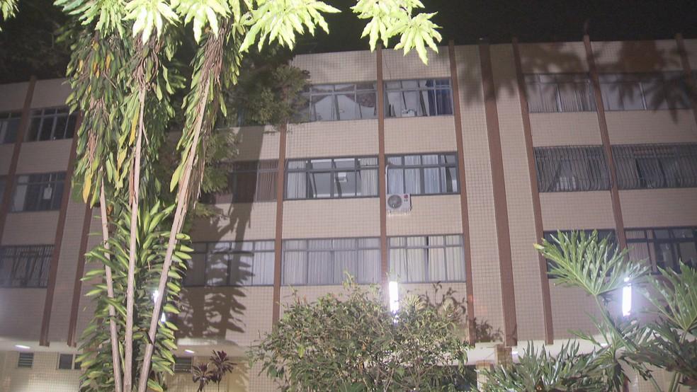 Prédio da Asa Sul de onde mulher despencou do terceiro andar (Foto: Reprodução/TV Globo)