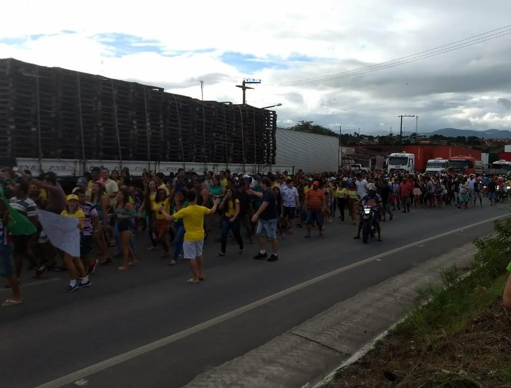 Greve de caminhoneiros em rodovias em Alagoas entra no 6º dia