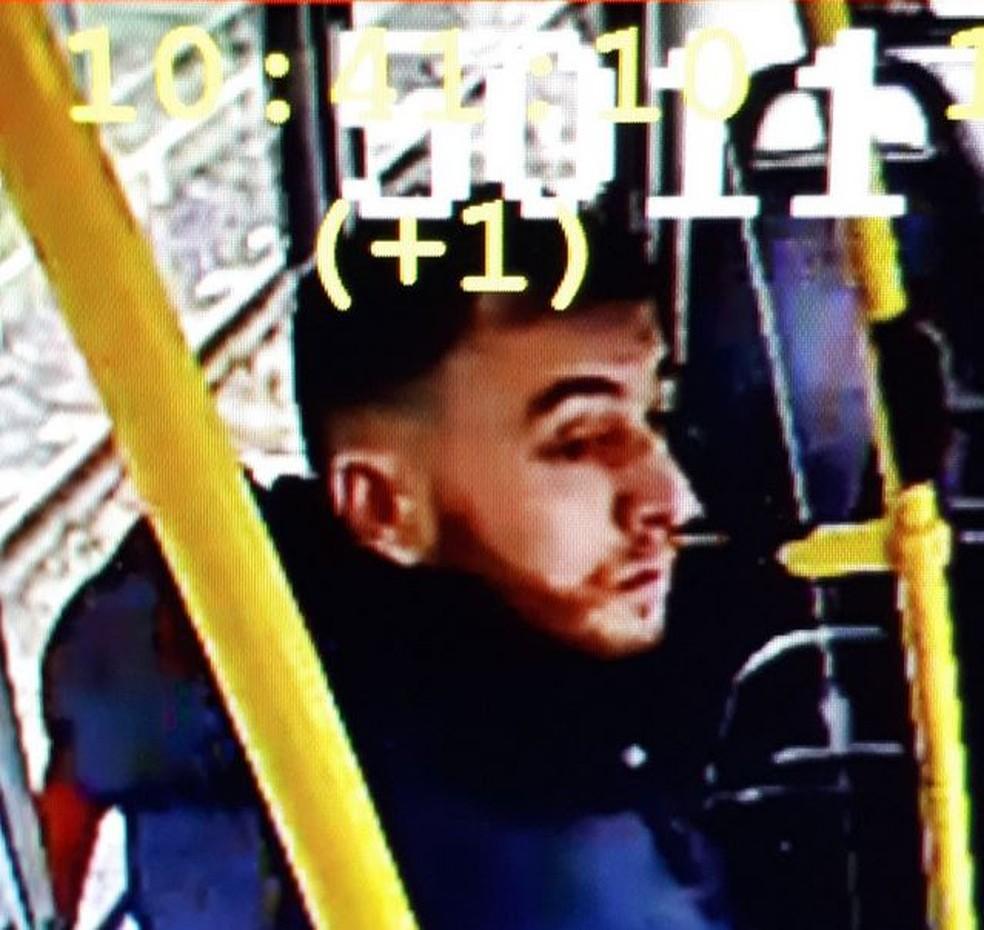 Polícia divulgou foto de turco Gökman Tanis, suspeito de envolvimento com tiroteio na Holanda — Foto: Reprodução/ Twitter Politie Utrecht