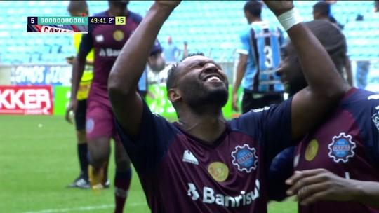 Em jogo de 8 gols, Grêmio sofre pelo alto e leva a virada do líder Caxias na Arena