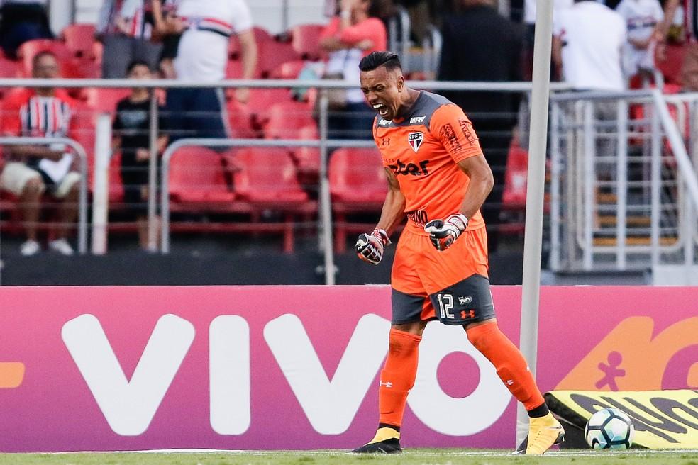 Sidão recebeu mensagem de Rogério Ceni após atuação contra o Sport