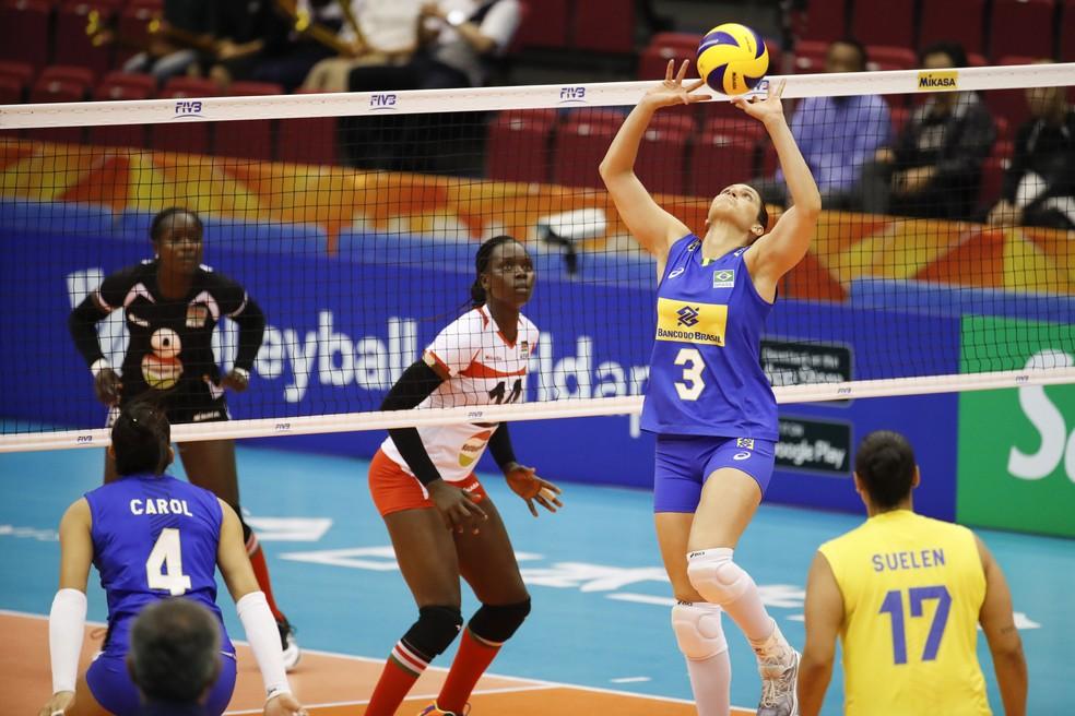 Dani Lins no jogo entre Brasil e Quênia — Foto: Divulgação/FIVB