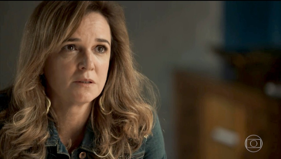 Laura questiona Lorena: 'Mãe, como você não viu?' (Foto: TV Globo)