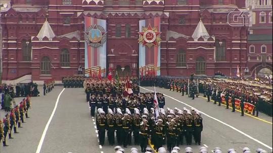 Rússia celebra Dia da Vitória com tradicional parada militar em Moscou; VÍDEO