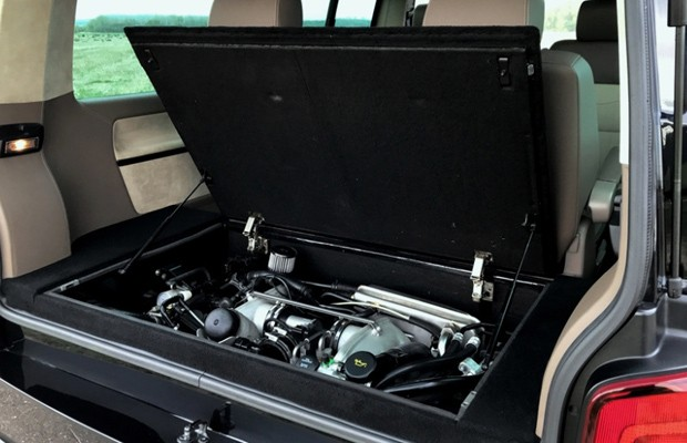 Motor vem do Porsche 911 GT2, versão mais braba e de tração traseira do Turbo (Foto: Divulgação)