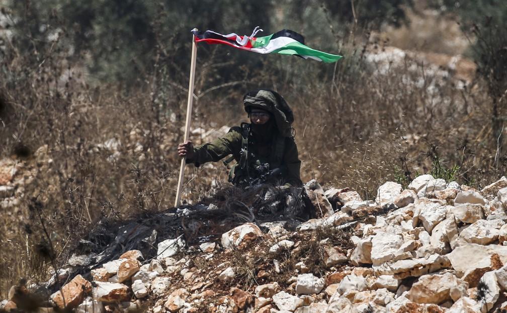 Hezbollah fez túneis até Israel com telefone e energia elé