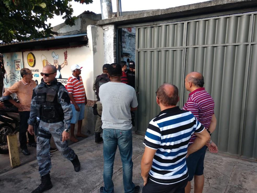 Homem é assassinado com tiro em bar da Zona Norte de Teresina — Foto: Simplício Júnior/ TV Clube
