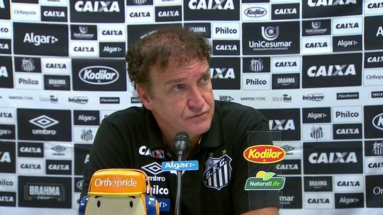 Cuca mantém esperança por G-6, exime Gabigol de culpa e despista sobre futuro no Santos