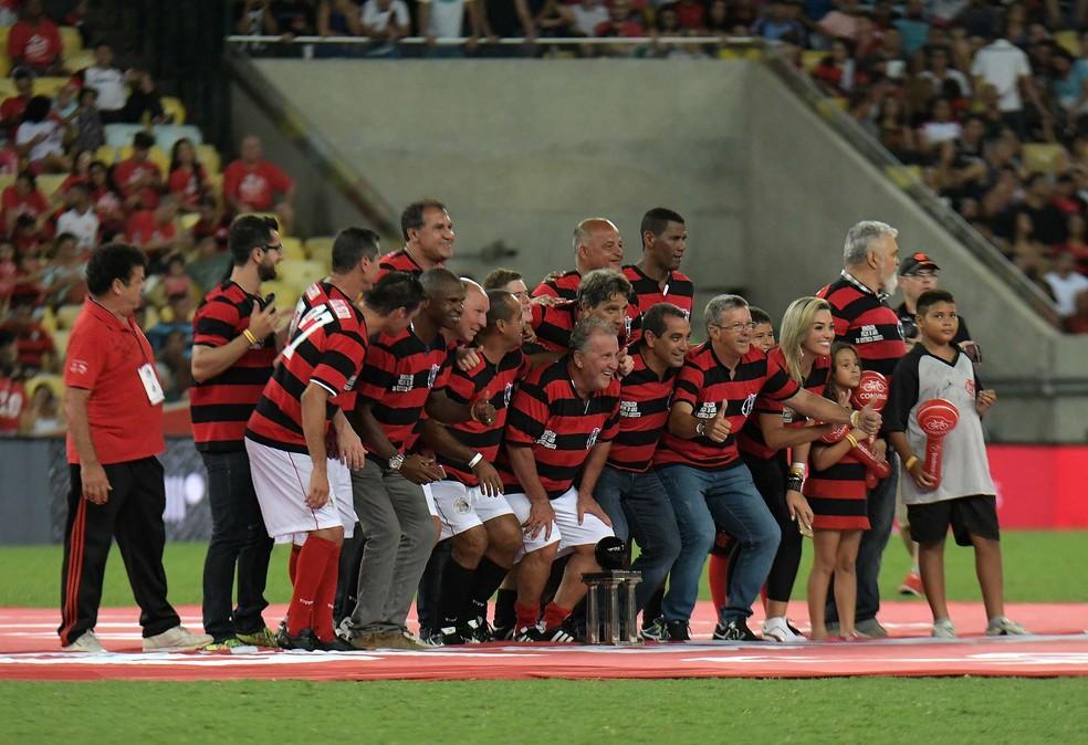Homenagem aos jogadores do Flamengo campeões da Copa União de 1987 (Foto: Alexandre Durão)
