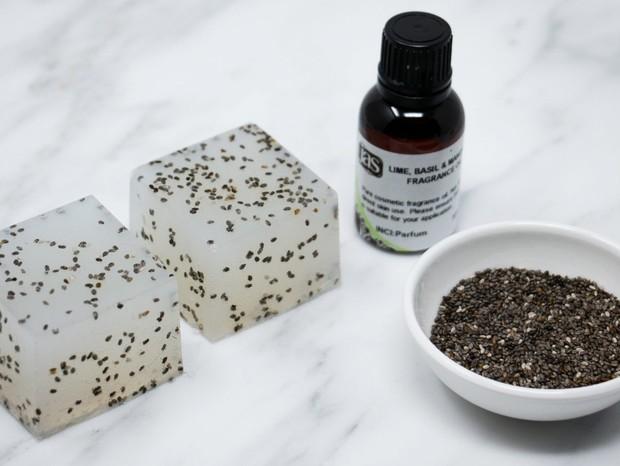 Designer cria kit que transforma óleo de cozinha em sabão  (Foto: Danielle Coffey)