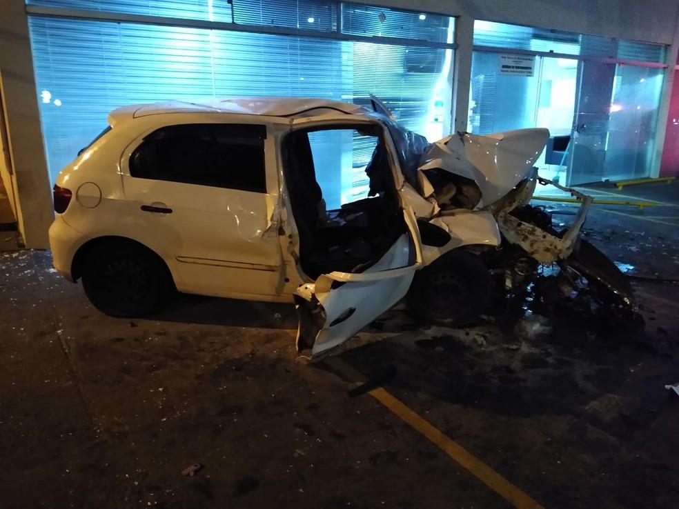 Acidente aconteceu na madrugada deste sábado (1º) no centro de Assis — Foto: The Brothers/Divulgação