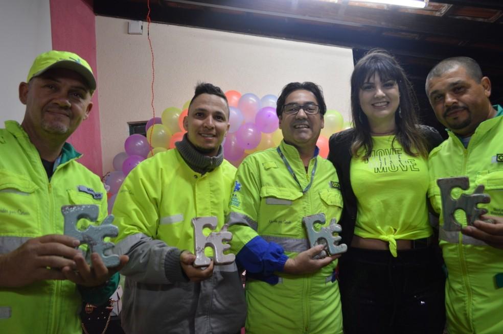 """""""Melhor presente da minha vida"""", disse Amanda sobre o encontro com socorristas — Foto: Bernardo Medeiros/Rota das Bandeiras"""